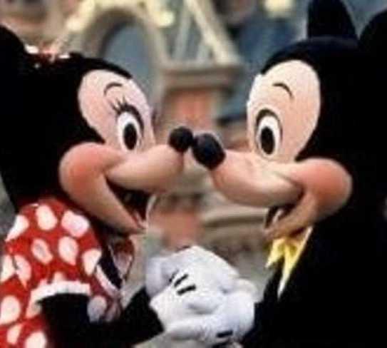 Dedo en Disneyland París