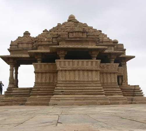 Templos Sas Bahu - (nuera)