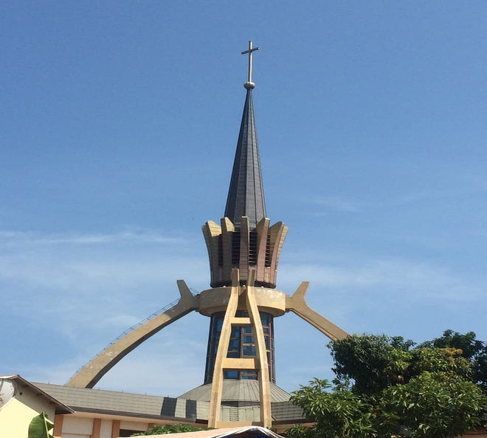 Campanario en Bukoba Catholic Diocese