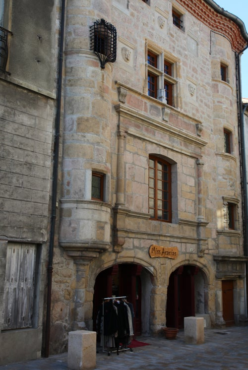 Saint Bonnet Le Chateau Restaurant