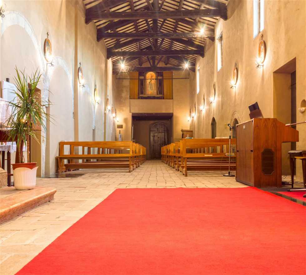 Fotografie di chiesa della madonna del piano galleria di for Galleria del piano casa