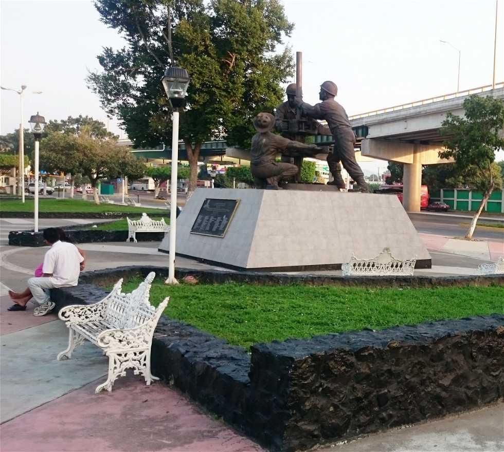 Suelo en Monumento a los Obreros Petroleros