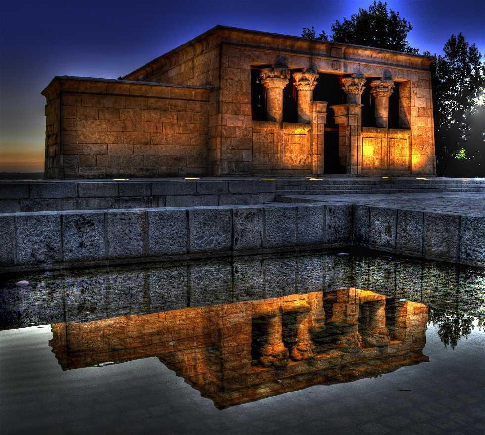 Reflet à Temple de Debod