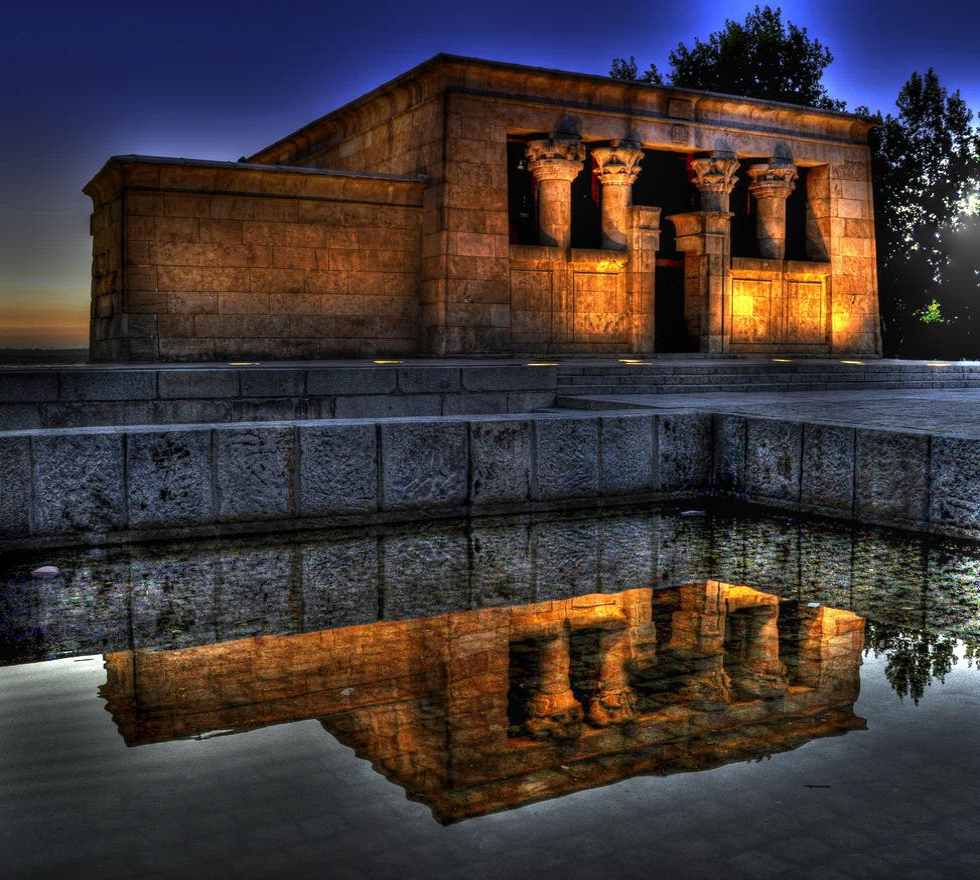 Reflexo em Templo de Debod