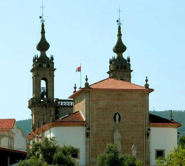 Pueblo en Santuario de San Campio de lonxe
