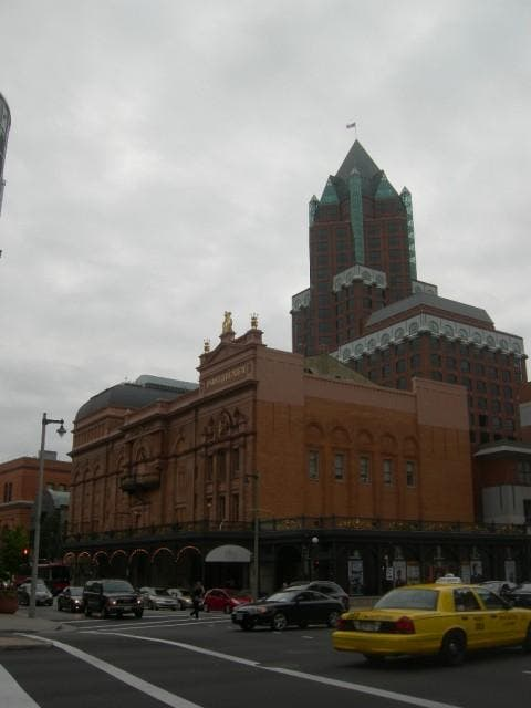 Ciudad en The Pabst Theater