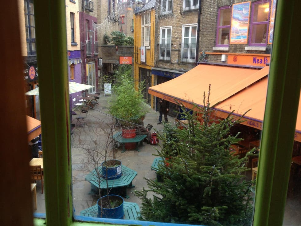 Canale a Neal's Yard