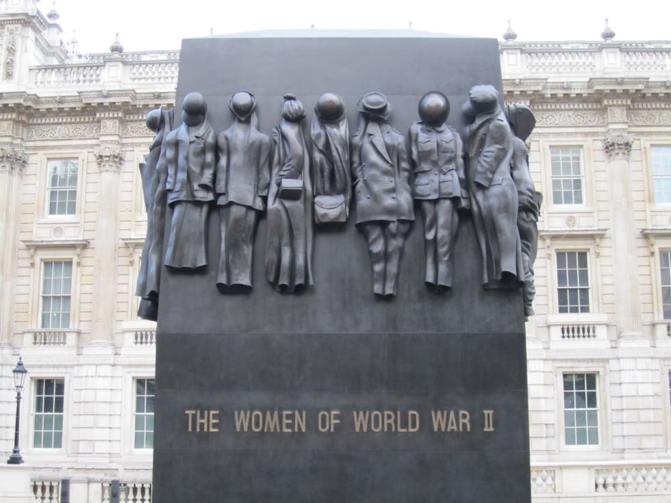 Emblemático en The Women of World War Two Memorial