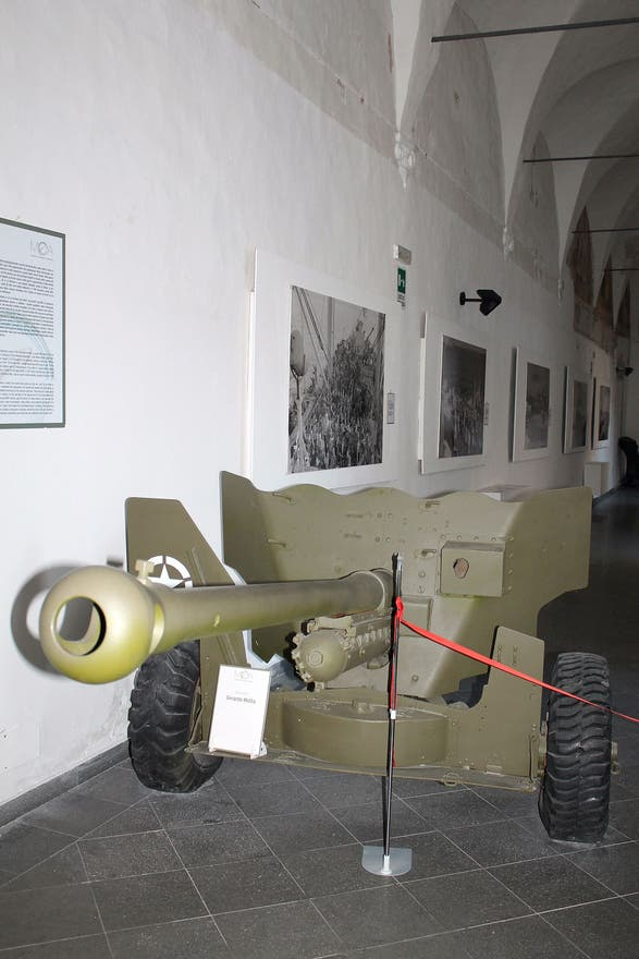 Vehículo en MOA, Museum of Operation Avalanche, Eboli