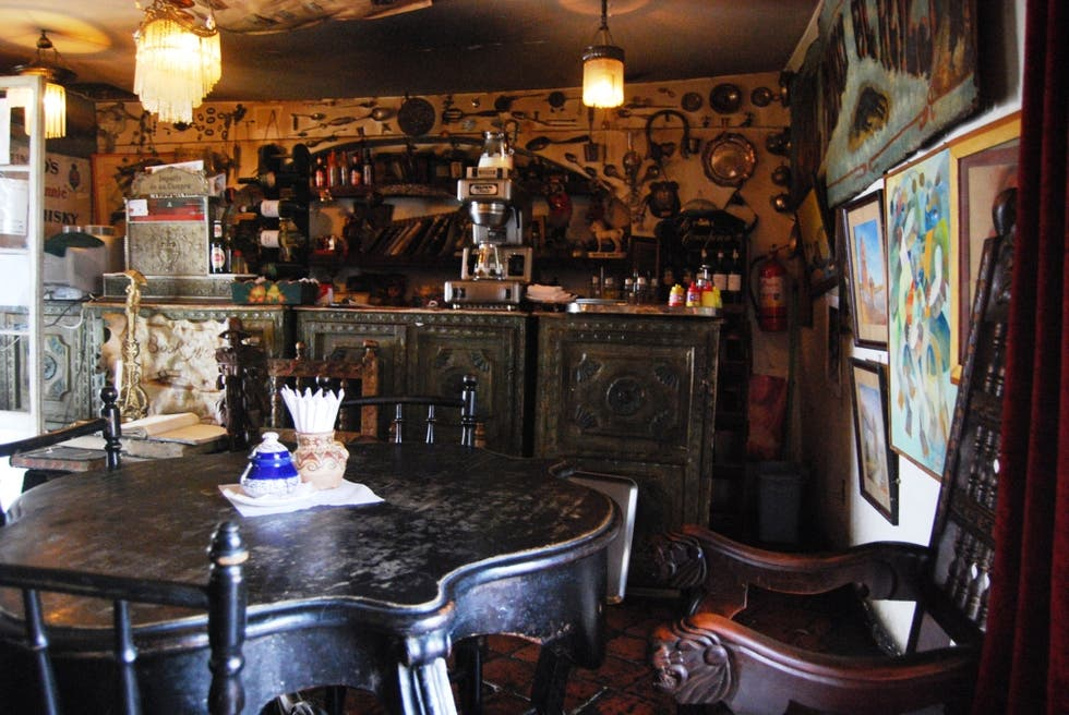 Bar en Angelo Colonial