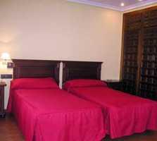 suite room in San Bartolomé de las Abiertas