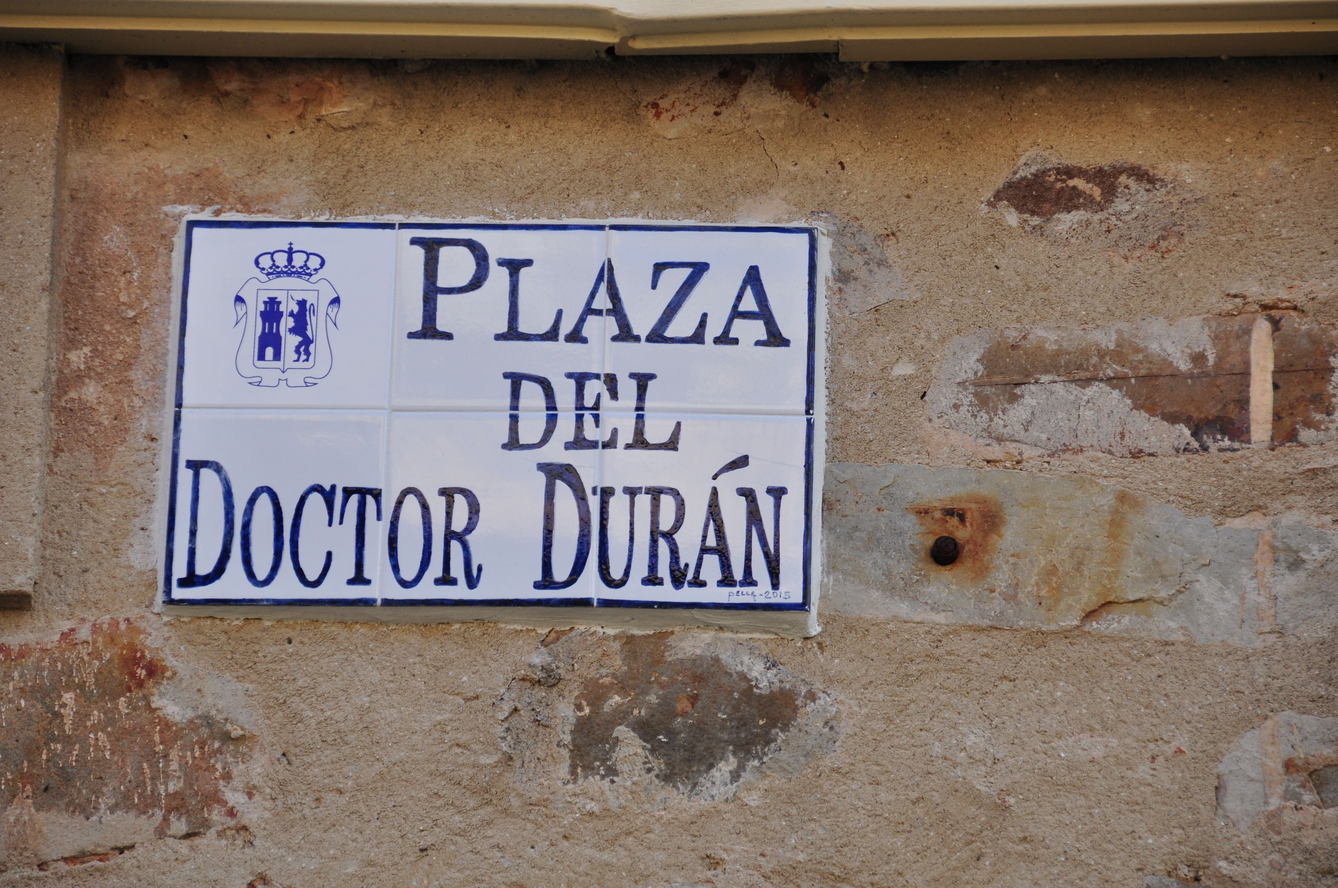 Signage in Plaza del Doctor Durán