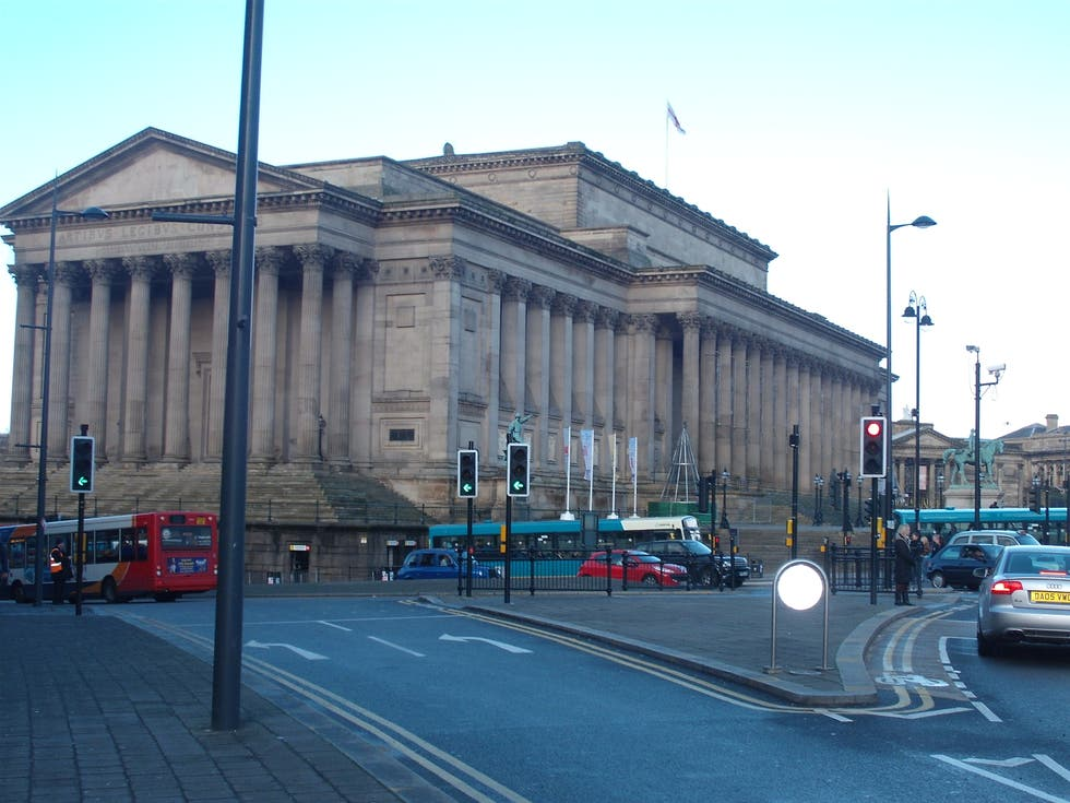 Estación de tren en St George's Hall