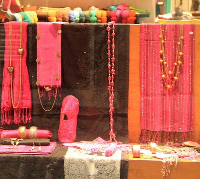 Color rosa en Diwali Shop
