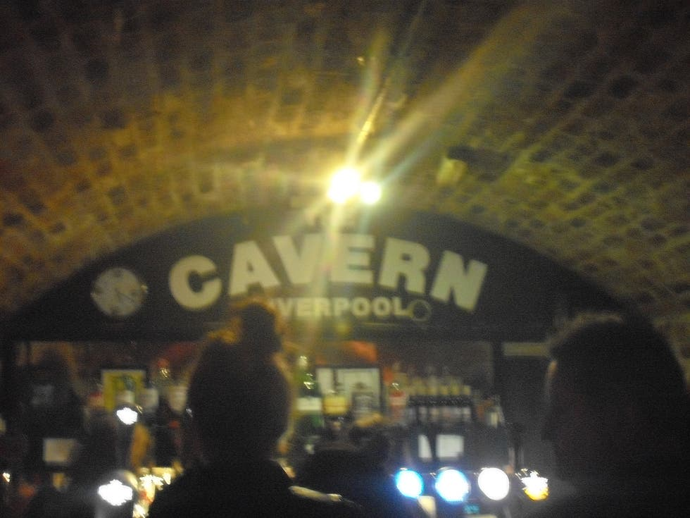 Reflejo en Club The Cavern