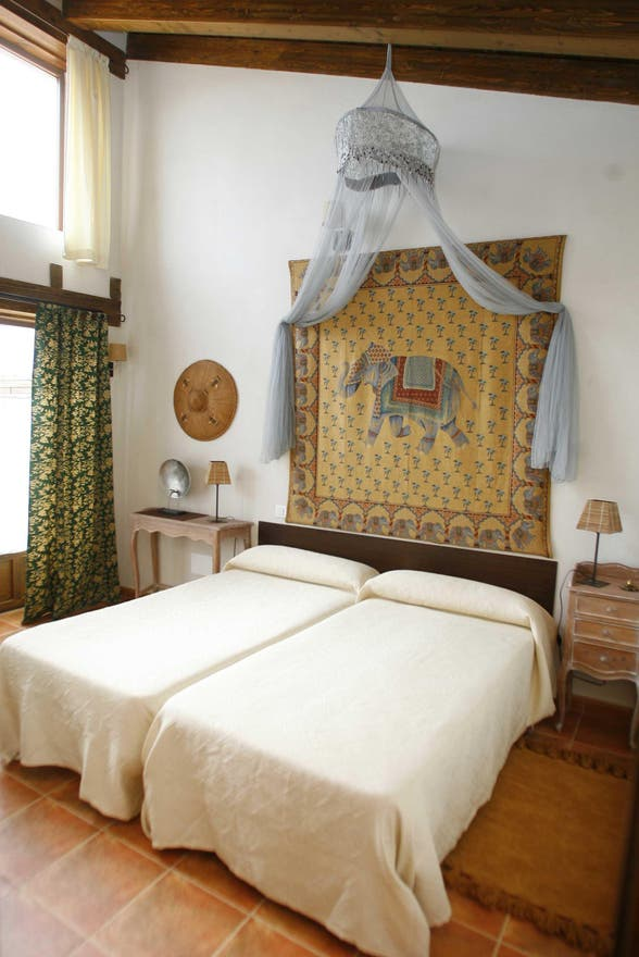 suite room in Puentedura