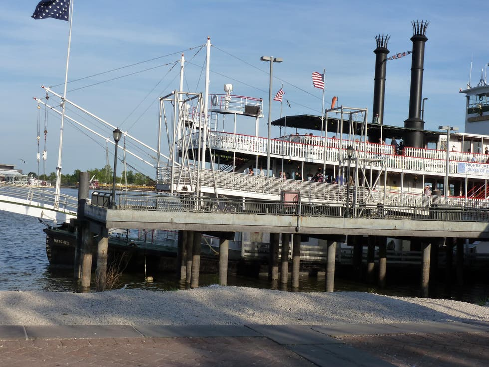 Transporte en Natchez Steamboat Cruise