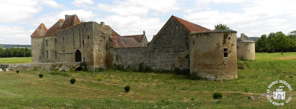 ruins in Guilly