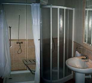 Baño en Hotel Paqui