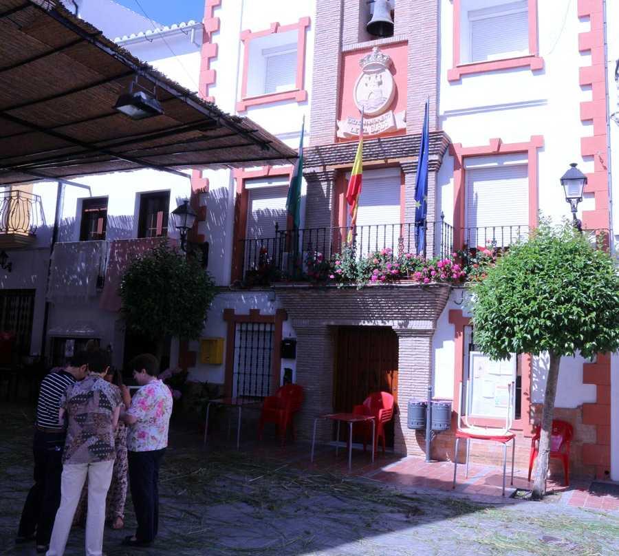 Calle en Ayuntamiento de El Burgo