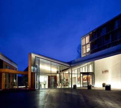 Edificio en Double Tree by Hilton Hotel and Conference Center La Mola