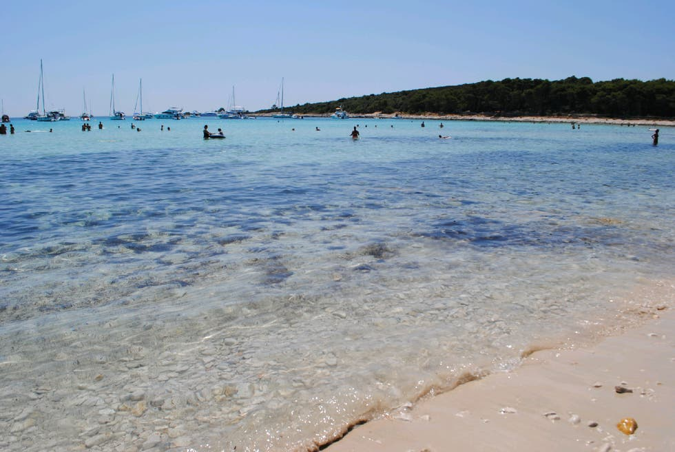 Shore in Otok