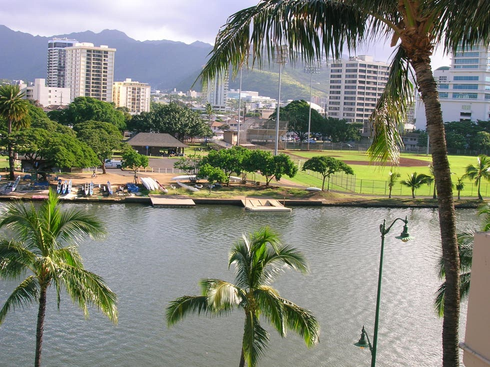 Vacation in Ala Wai Canal