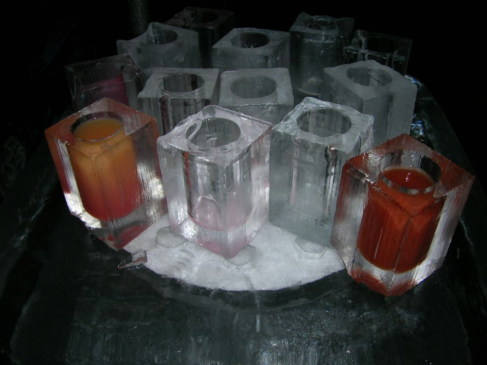 Pintura en Absolut Icebar London