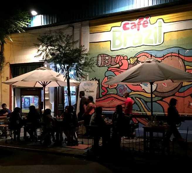 Calle en Café Brazil
