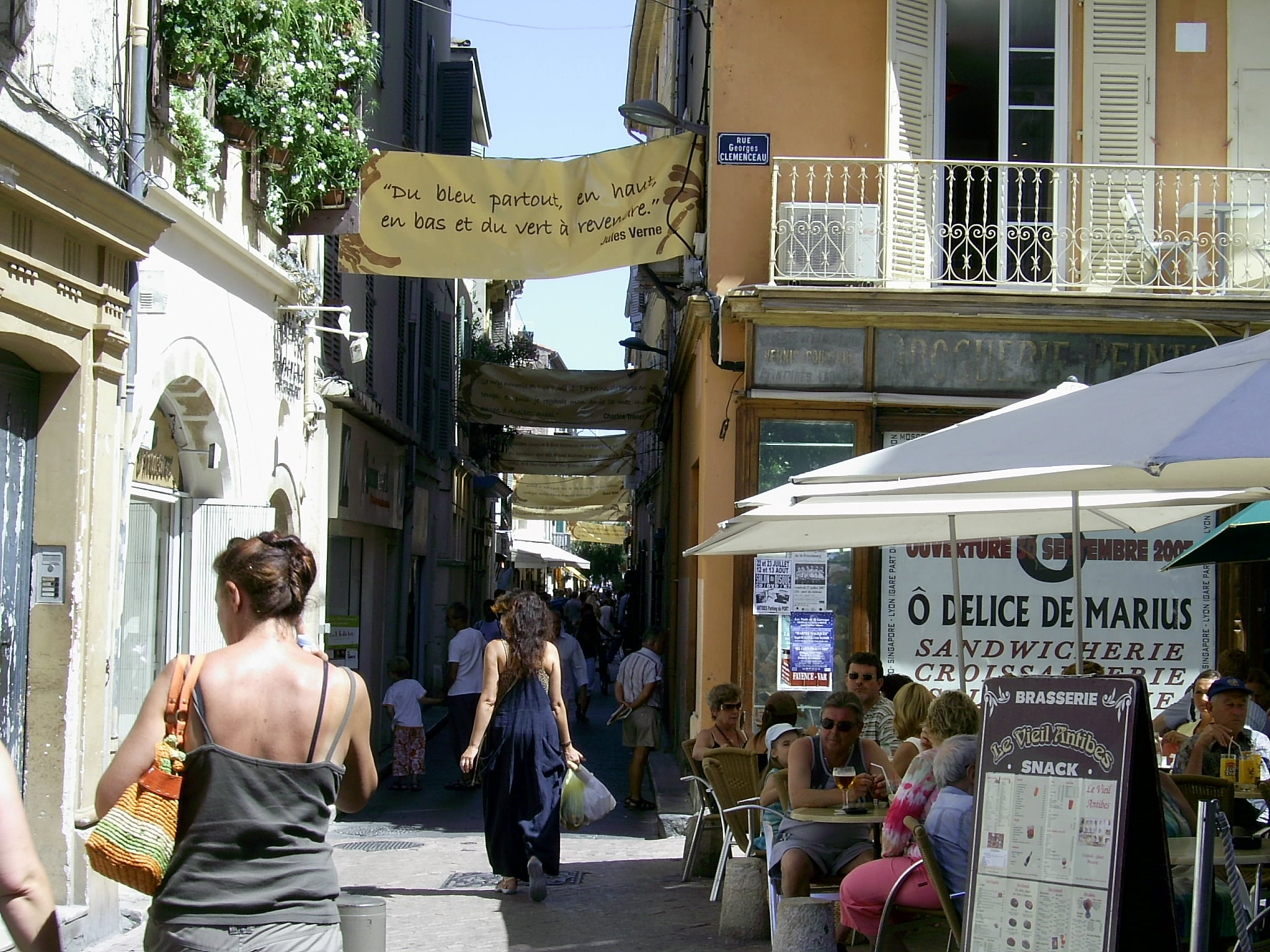 Neighbourhood in Antibes