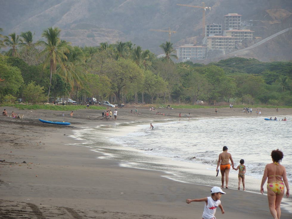 playas del coco single women Nice size condo located a short distance to the beach and all services in playas del coco el coco single family on point2 homes with featured listing.