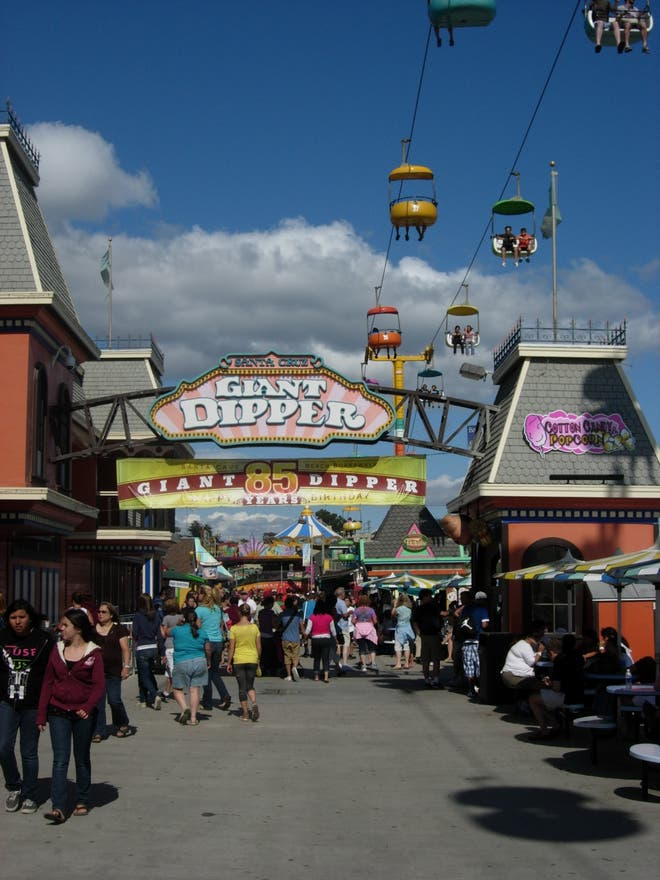 Feria en Santa Cruz Beach Boardwalk