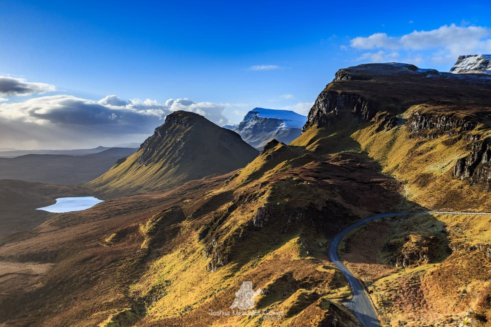 Mountain Pass in The Quiraing