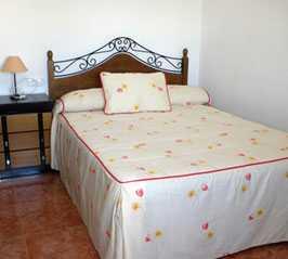 Fotos de mueble en casa rural el aljibe alcal del j car for Casa del mueble