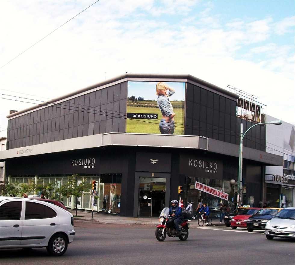 Supermercado en Outlets de Av. Córdoba