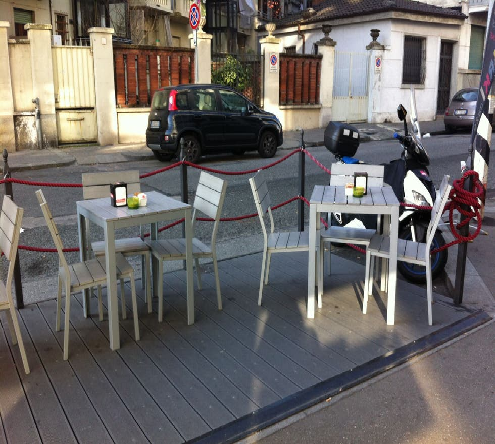 Vehículo en Arki Cafè