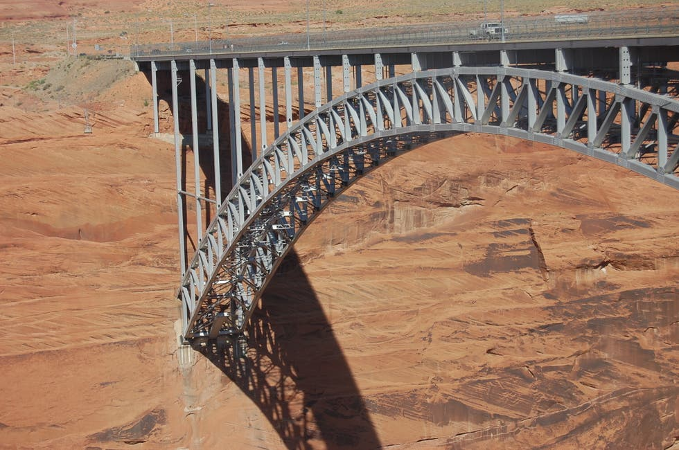 Instrumento musical en Glen Canyon Bridge