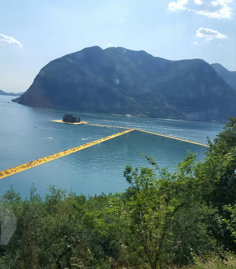 Colina en The Floating Piers