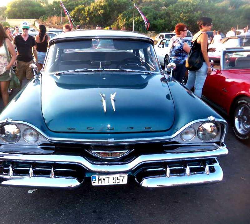 Negro en Festival de Carros Vintage
