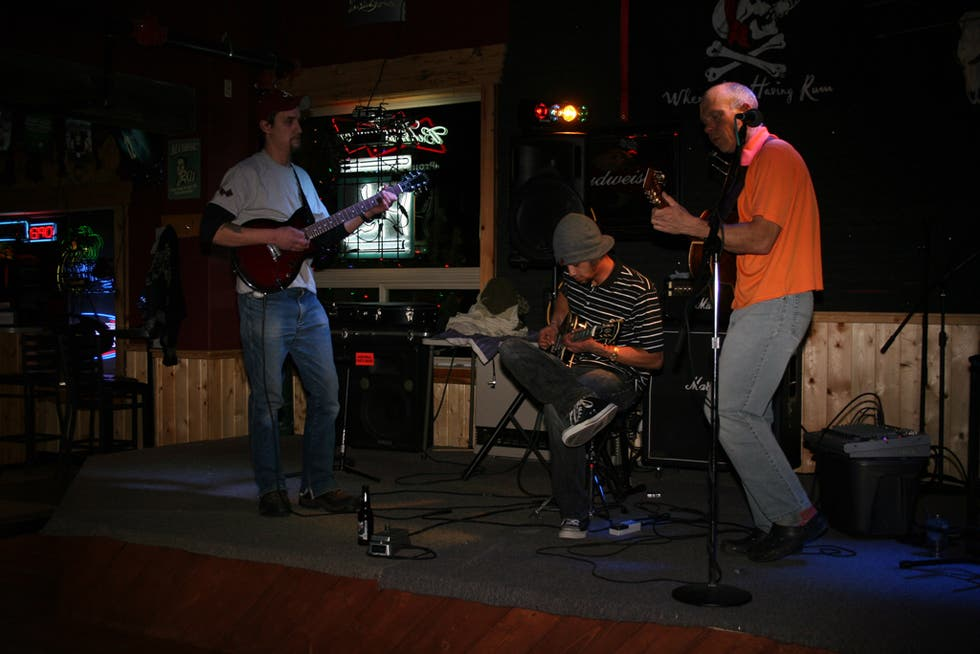 Músico en Wild West Pizzaria & Saloon