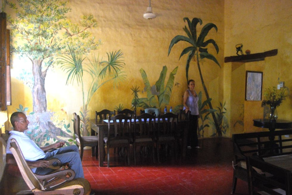 Photos of painting in hostal la casa amarilla mompox for Hostal casa amarilla
