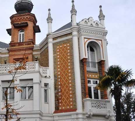Torre del reloj en Villa Sofia