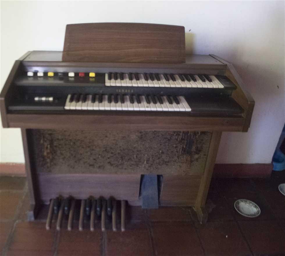 Instrumento musical en Casa Parroquial del Dulce Nombre de Jesús