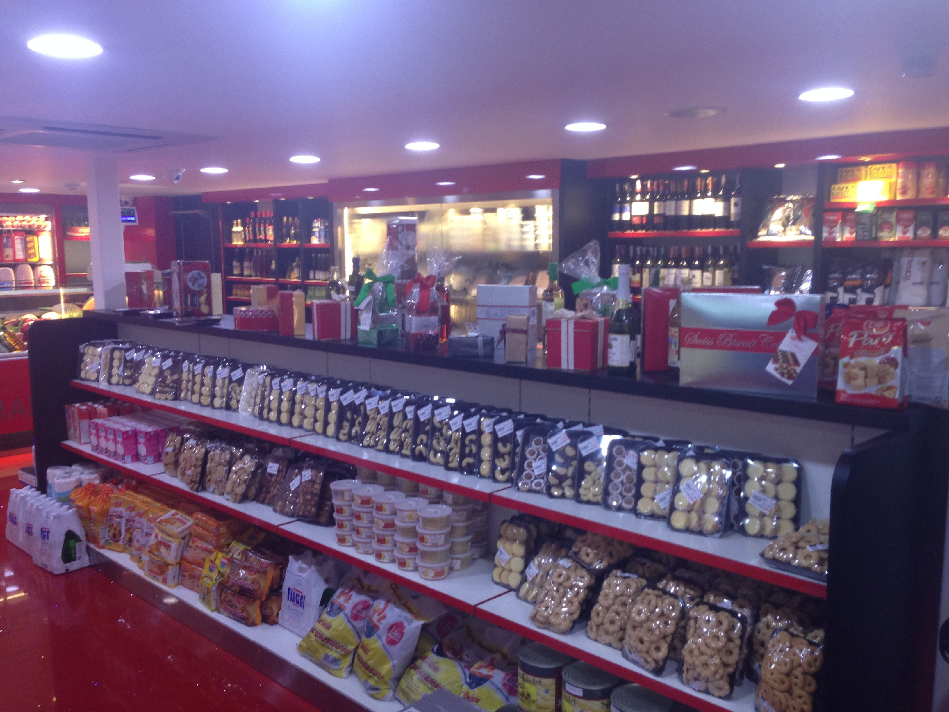 Retail Store in Cine Citta