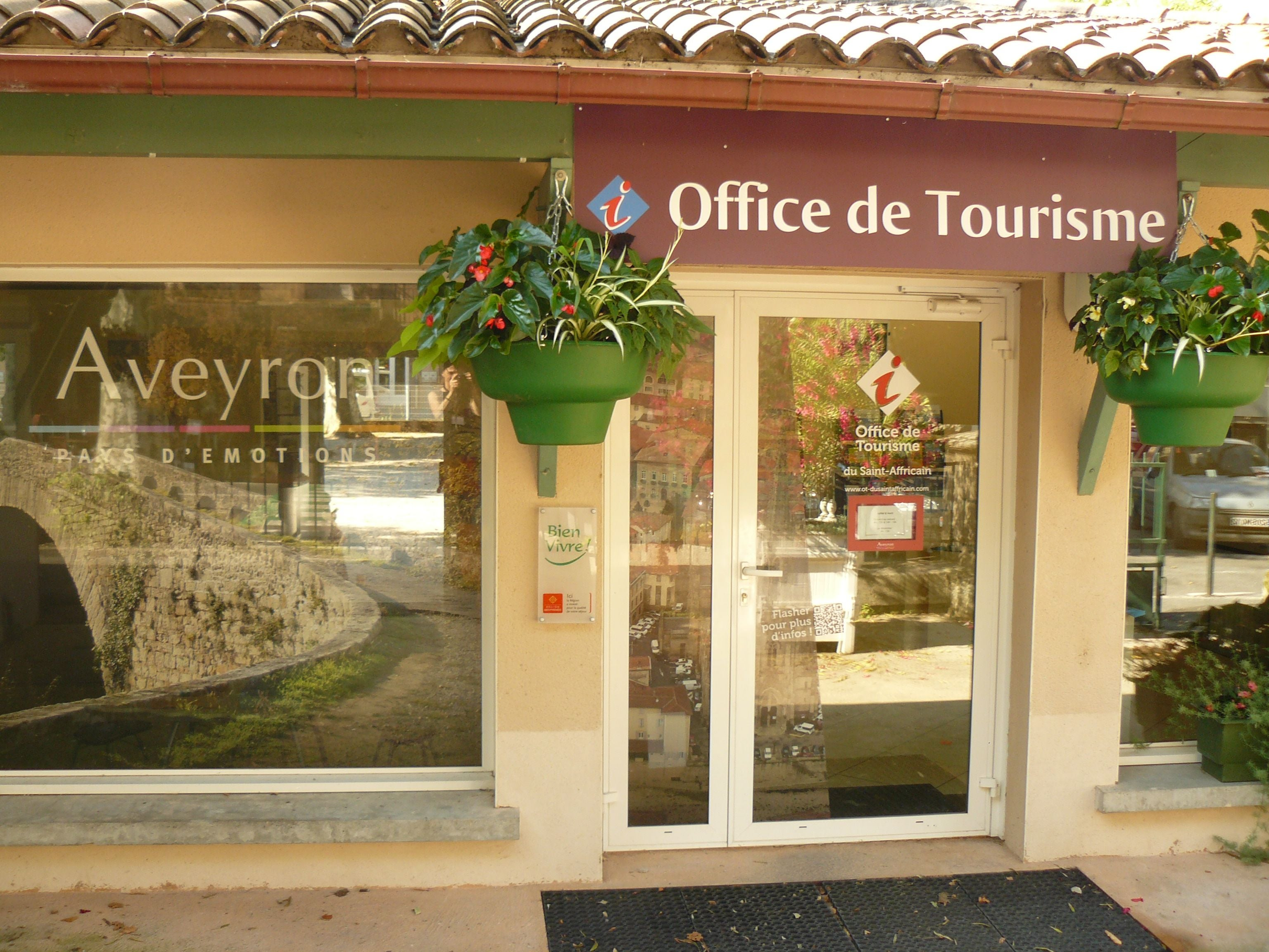 Photos de saint affrique images et photos - Office tourisme roquefort ...
