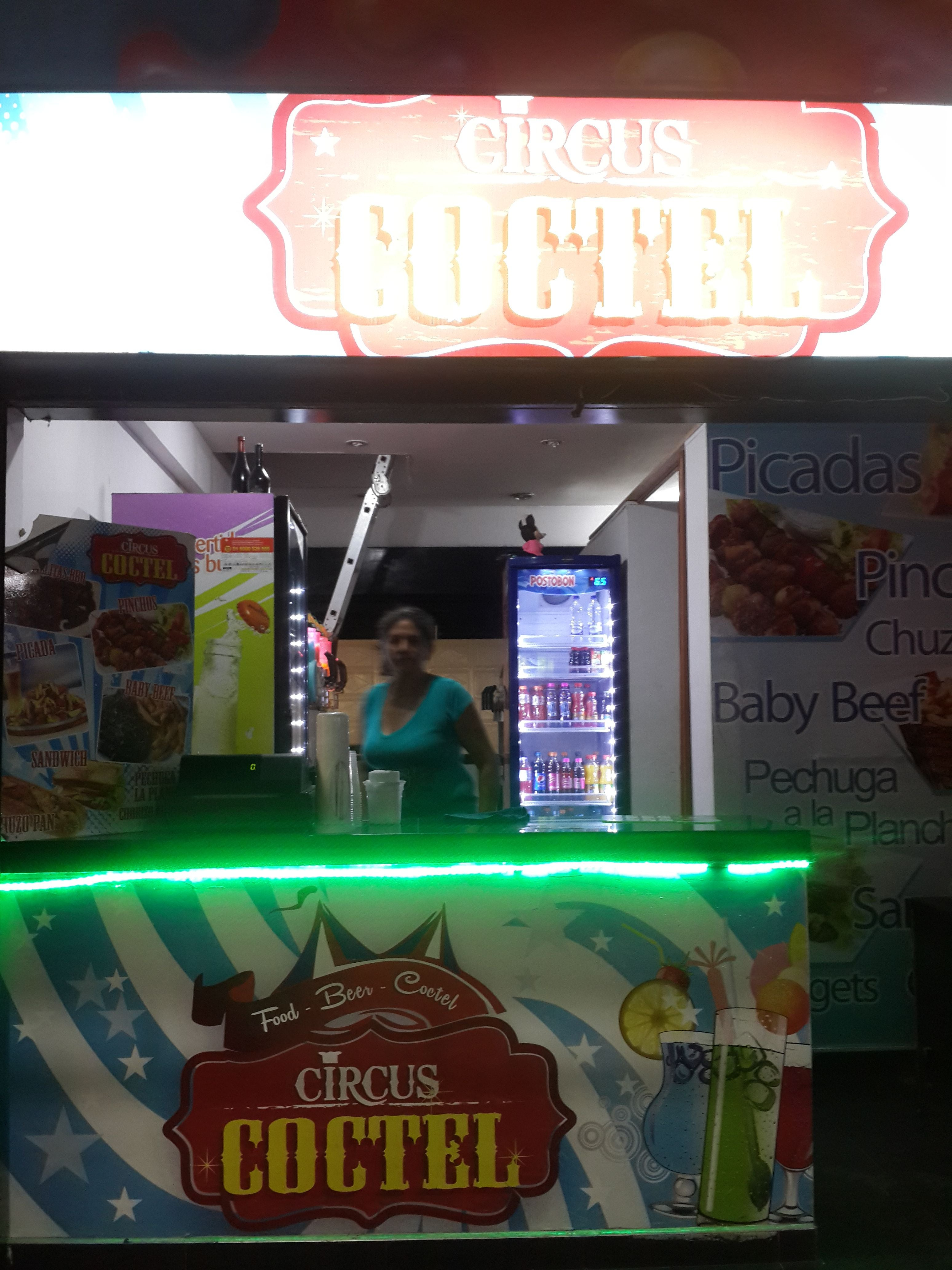 Fast Food in Circus Coctel