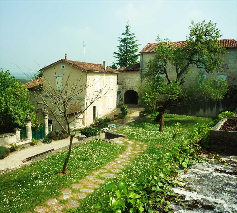Montmoreau Saint Cybard