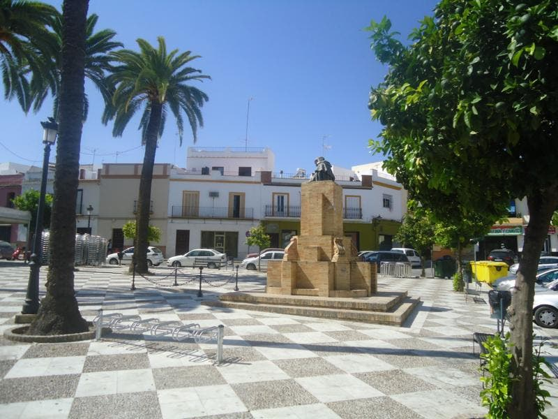 Plaza en Estatua de Fray Antonio de Marchena