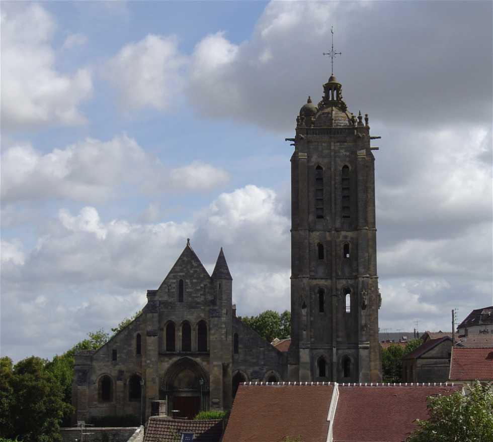 Torre en Beaumont-sur-Oise