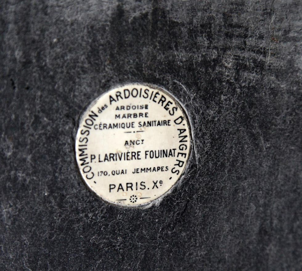 Placa conmemorativa en Pissotière